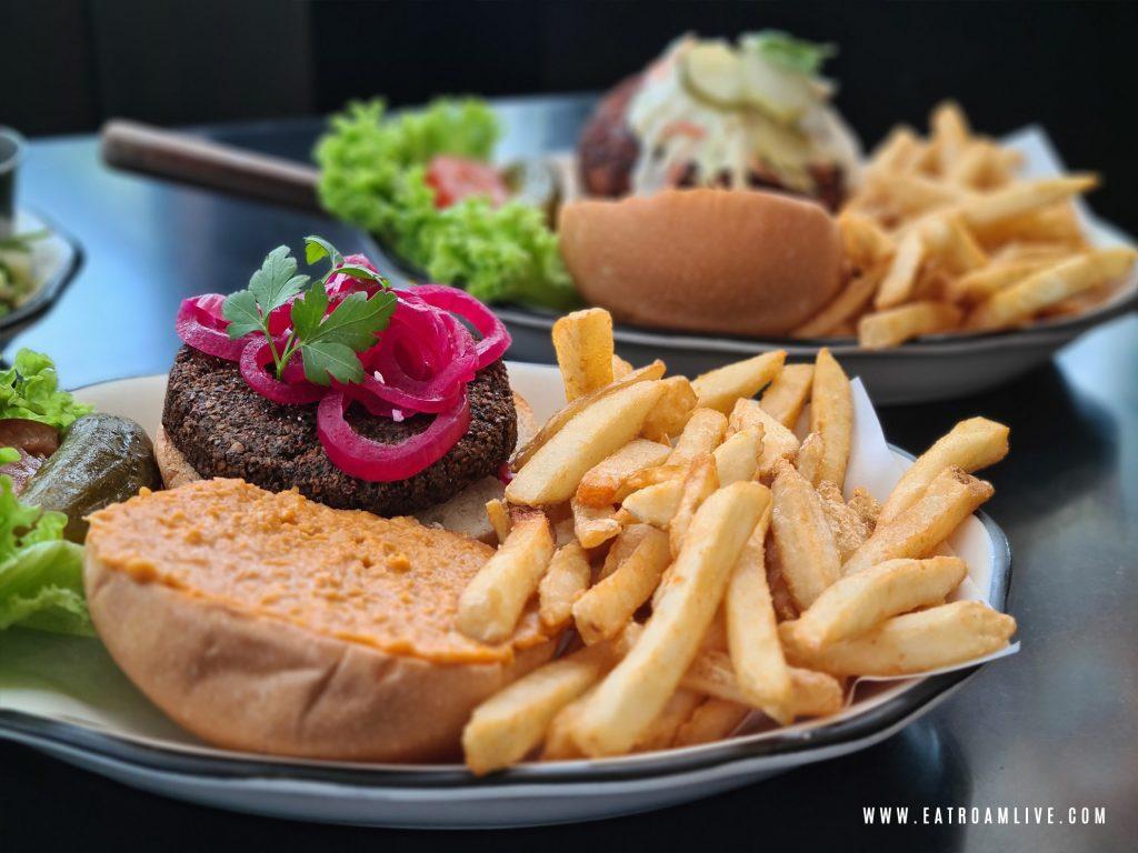 Vegetarian Falafel Burger at Black Tap Singapore: Review
